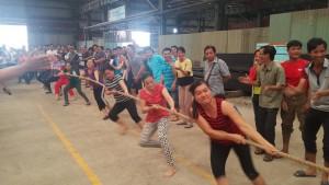 Trận chung kết môn kéo co nữ