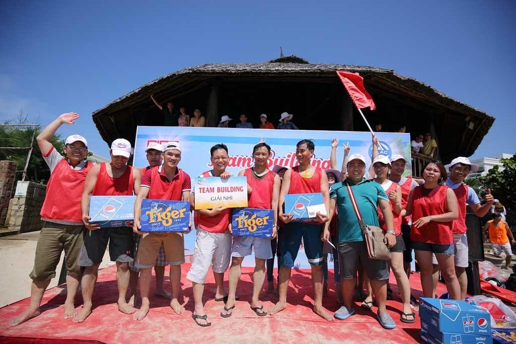 Đội xe số 2 của Văn phòng Minh Hữu Liên giành giải nhì.