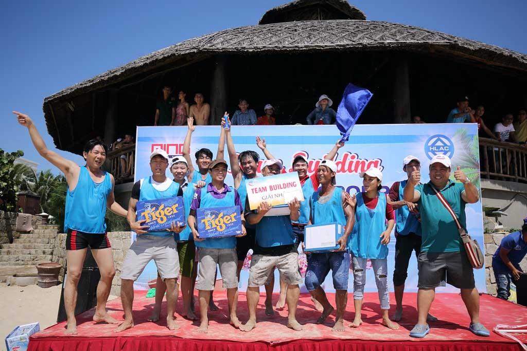 Đội xe số 4 của Xưởng xe đẩy Minh Hữu Liên giành giải nhất.